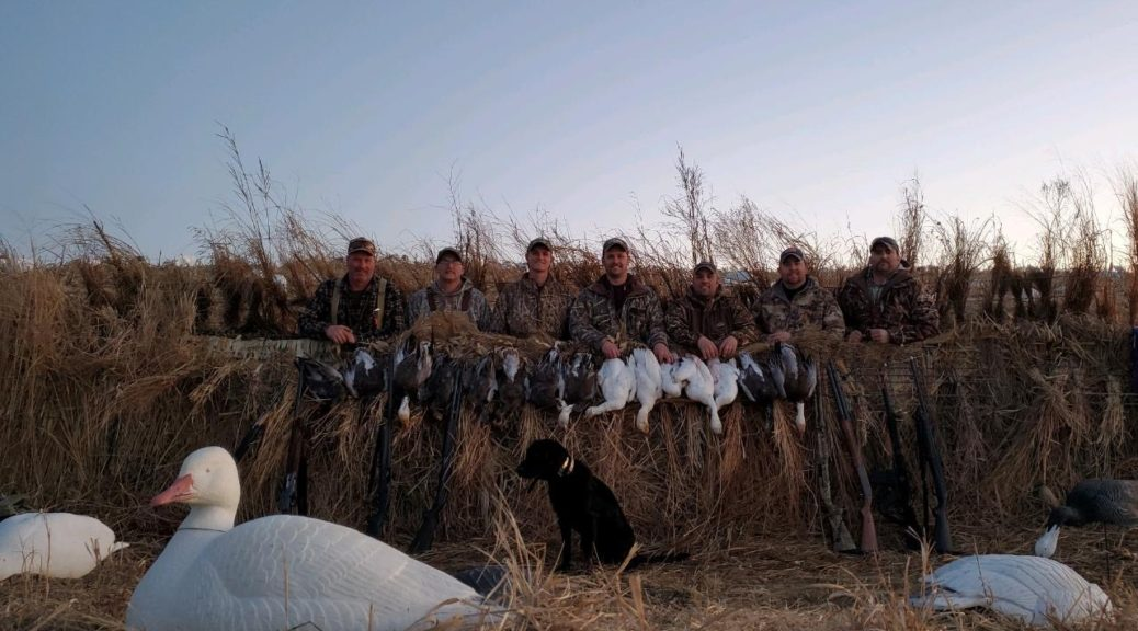 Squaw Creek Hunt Club & Guide Service - Mound City, Missouri - Snow Goose Hunting Guides